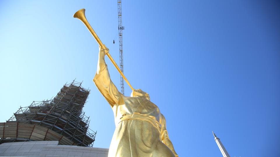 Rome-Temple-Angel-Moroni1-2017