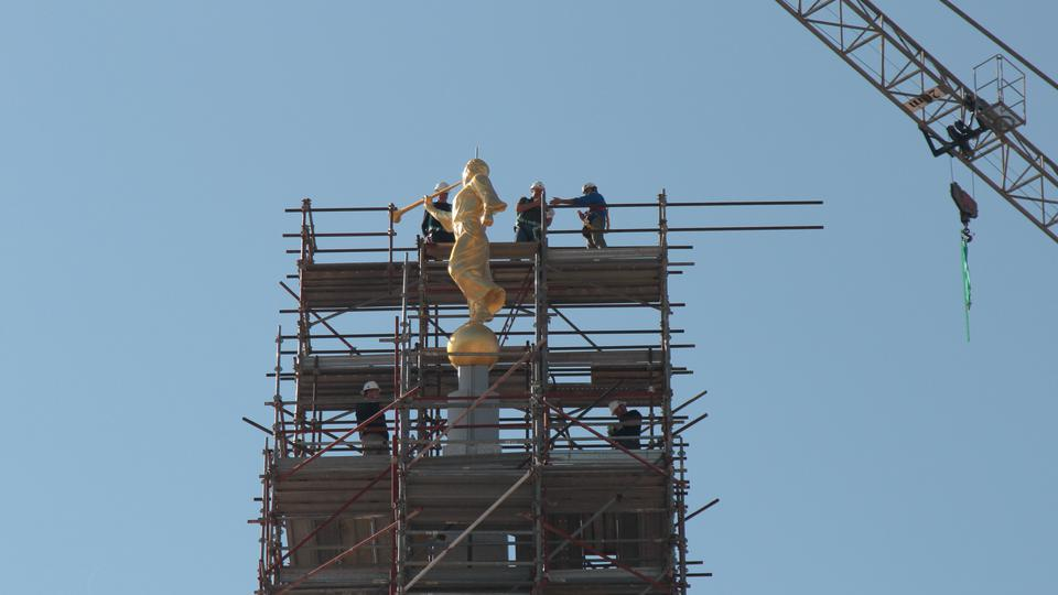 Rome-Temple-Angel-Moroni5-2017